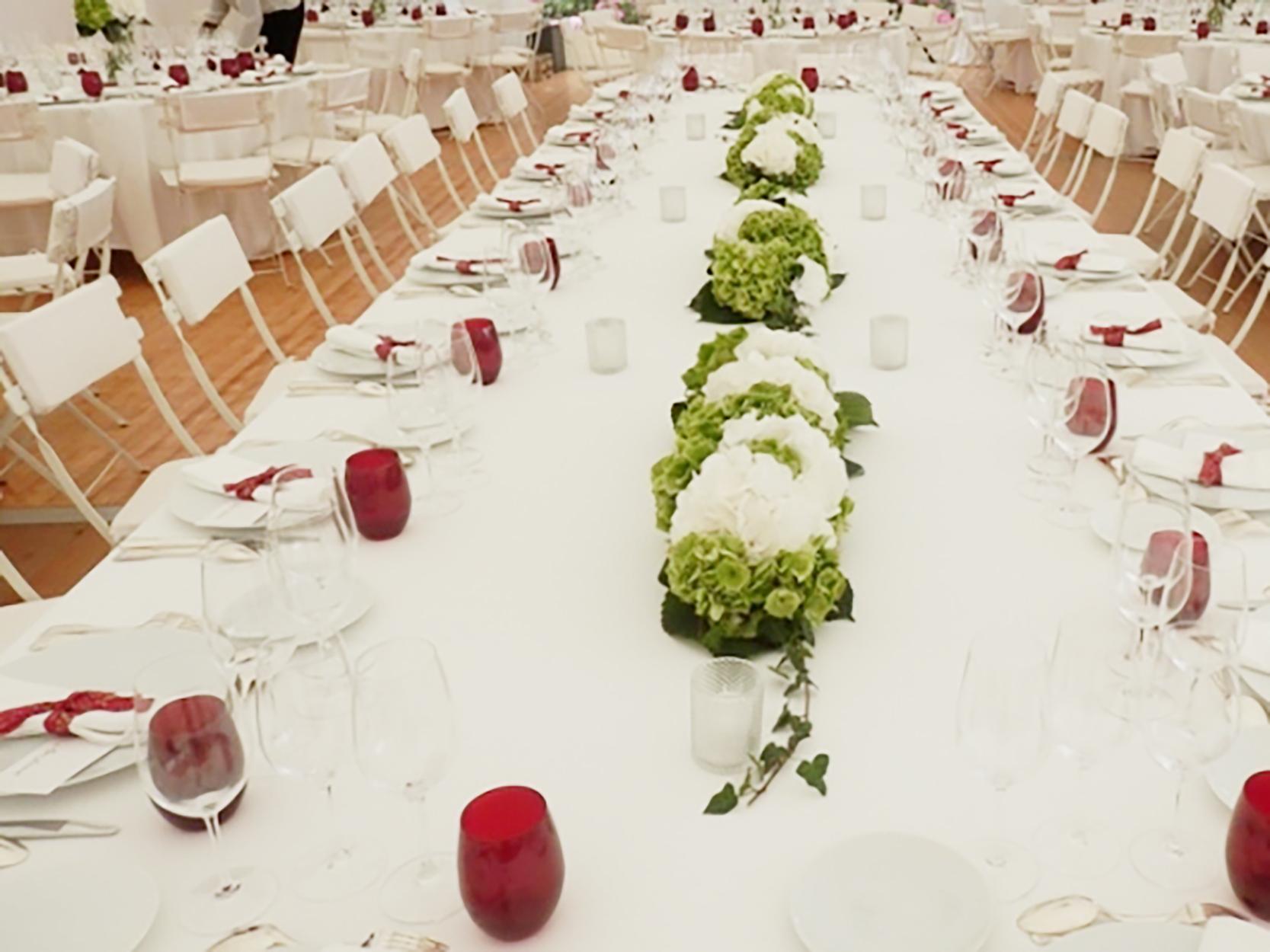 Une d coration florale de mariage au milieu des vignes - Site decoration mariage ...