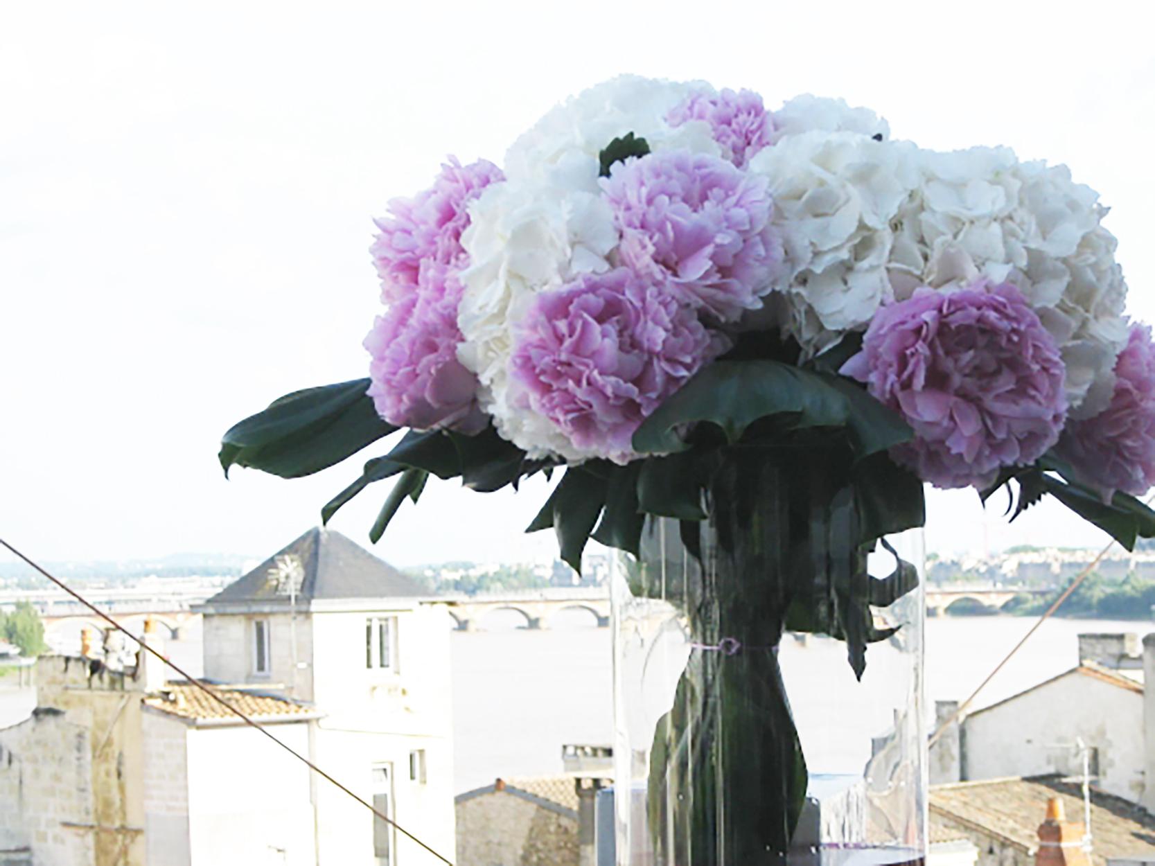 Décoration florale mariage hortensia pivoine - fleuriste-bordeaux
