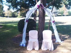 Decoration florale mariage fushia exterieur fleuriste for Fushia exterieur