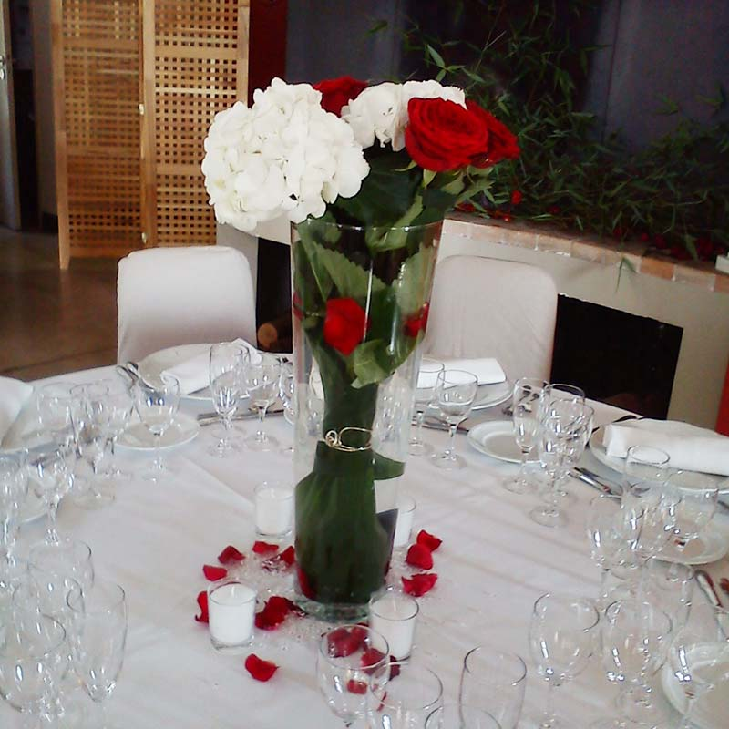 Un mariage en rouge et blanc for Decoration de table rouge et blanc