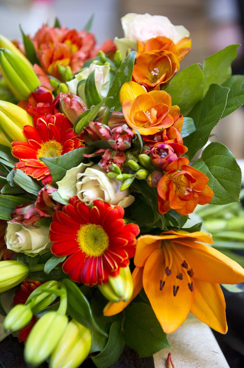Bouquet de fleurs orangées