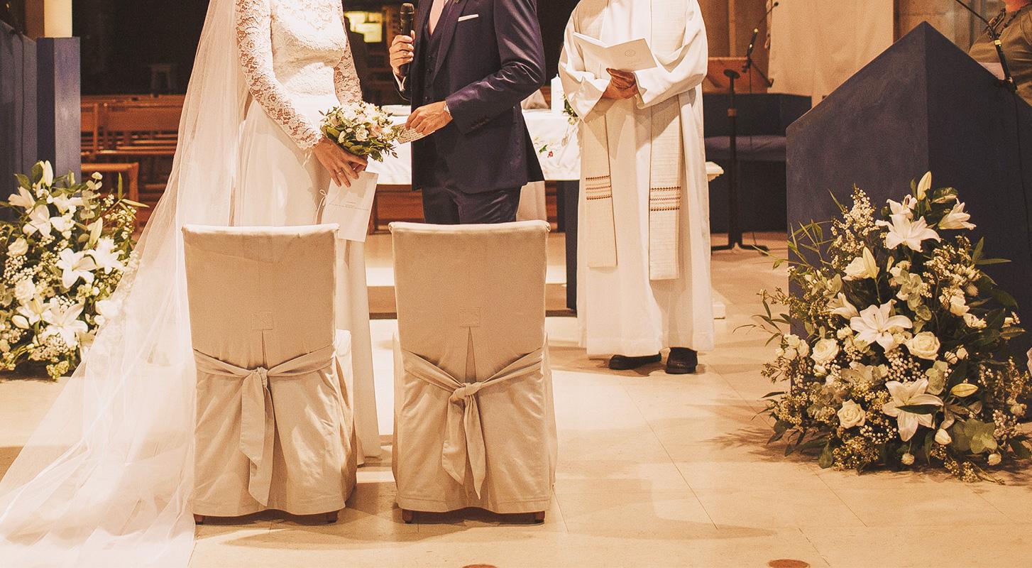 Un mariage la d coration florale d licate fleuriste for Decoration ceremonie