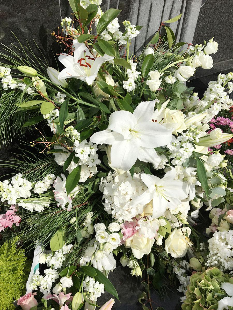 devant-cercueil