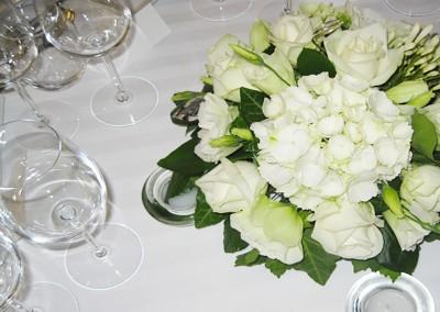 Une décoration florale de mariage raffinée
